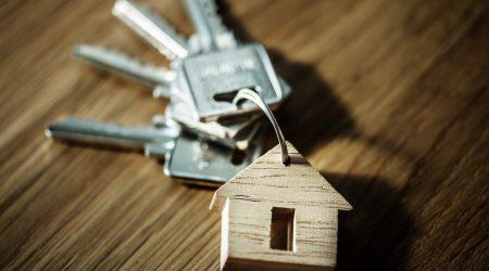 keys on house-shaped keyring